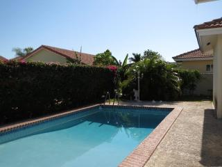 3 bedroom Villa Gated Community  private pool - Nassau vacation rentals