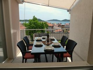 ApartmentHouse Ivana (6+2) - Betina vacation rentals