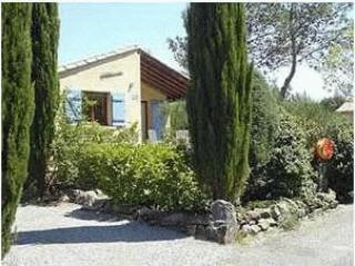 Nice Bungalow with Internet Access and A/C - Vacquieres vacation rentals