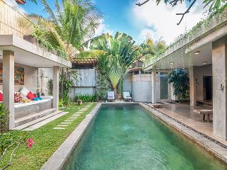 Beautiful 4 Bedroom Villa, Oberoi - Seminyak vacation rentals