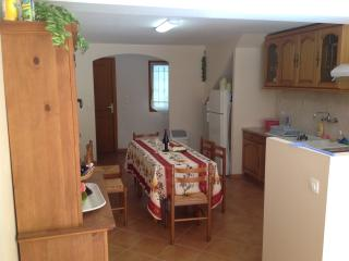 3 bedroom Townhouse with Outdoor Dining Area in Servian - Servian vacation rentals