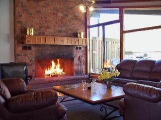 4 Bedroom Swiss Style Chalet1 #120L - Blue Mountains vacation rentals