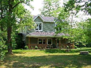 5 Bedroom Cottage # 247Osler with Outdoor Hot Tub - Blue Mountains vacation rentals