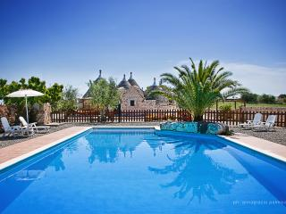 Trulli il Castagno: holiday home with two bedrooms - Martina Franca vacation rentals