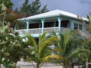 Beachfront Suites, summer discounted rates - Stann Creek vacation rentals