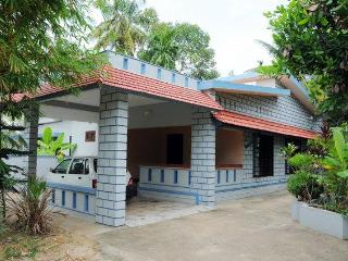 Idyllic Riverside Retreat in Kochi - Vacation Home - Kochi vacation rentals