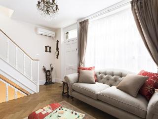 Goodwins Court - London vacation rentals