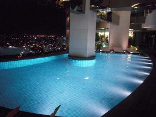 Gramercy Residences with balcony - Makati vacation rentals