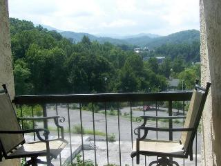 #403  Gatlinburg Chateau  - 2 Bedroom Condo - Gatlinburg vacation rentals