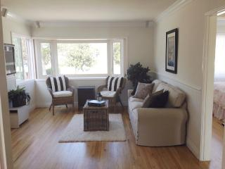 Lovely Balboa Island House with Park View & Garage! -- Steps to the Bayfront/Ferry - Newport Beach vacation rentals
