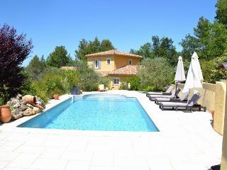 Charmante villa Pinède Combe Frigaoule - Saint-Marcellin-les-Vaison vacation rentals