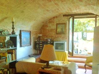 1 bedroom Farmhouse Barn with Deck in Montegiorgio - Montegiorgio vacation rentals