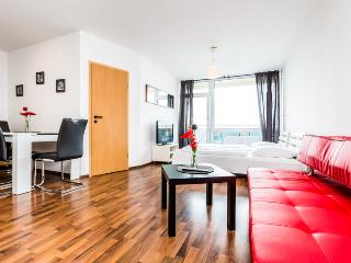 05 Apartment with Cathedral look Cologne Deutz - Cologne vacation rentals