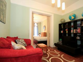 Time Sq/3 BD Lovely, Quiet and Cozy - New York City vacation rentals