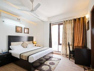 Cozy Studio Apartment in Green Park at Delhi - New Delhi vacation rentals