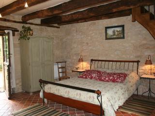 La Laugérie, chambre d'hôtes indépendante - Granges d'Ans vacation rentals