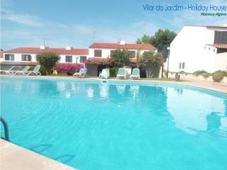Perfect for a great holiday - Pool,Garden and BBQ - Vilamoura vacation rentals