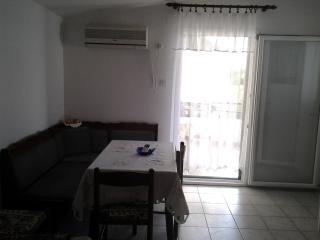 Bright 3 bedroom Apartment in Kaprije - Kaprije vacation rentals