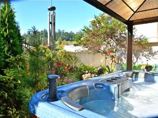 Serene Suite- Hot tub/Forest NR OCEAN- Castle too! - Victoria vacation rentals