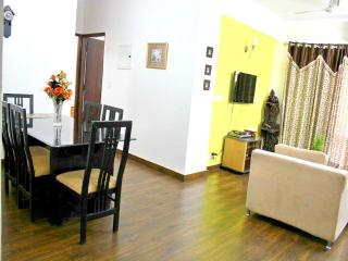 2 Bedroom Serviced Apartment - MG Road Gurgaon - Gurgaon vacation rentals
