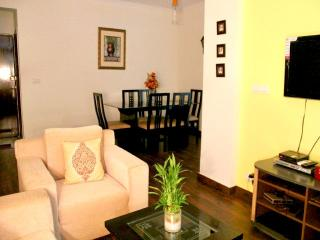 2 Bedroom Serviced Apartment - MG Road Gurgaon - Gurgaon vacation rentals