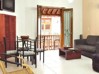 Old City 1BR: Balcony, washer/dryer, AC, wifi... - Cartagena vacation rentals