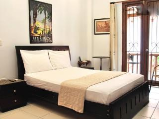 Old City Studio-Balcony, washer/dryer, strong wifi - Cartagena vacation rentals