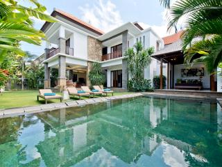 Seratus, Luxury 3BR, Close to Beach, Seminyak - Seminyak vacation rentals