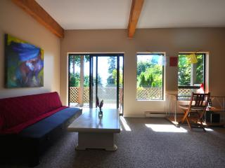 Serene cozy suite, a 5 minute walk from the ocean - Roberts Creek vacation rentals