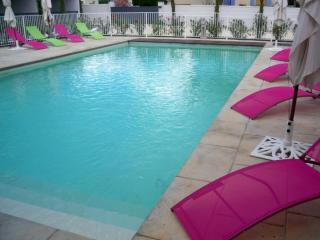 2 bedroom Gite with Internet Access in Richerenches - Richerenches vacation rentals