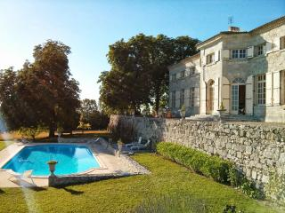 Charming Mansion from 17th, Pool and Billiards - Lauzun vacation rentals