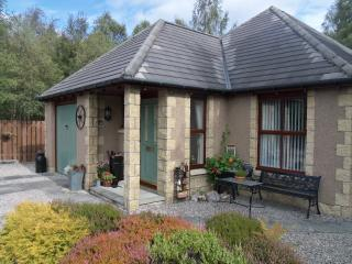 Honeybee Cottage -  Dalfaber, Aviemore - Aviemore vacation rentals