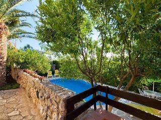 Casa Edera con piscina - Castellammare del Golfo vacation rentals