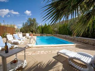 Villa Nicole con piscina - Castellammare del Golfo vacation rentals
