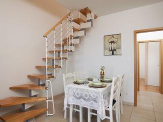 Nice 2 bedroom House in Postira - Postira vacation rentals