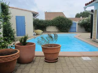 Lovely 4 bedroom House in Trebes with Internet Access - Trebes vacation rentals