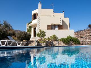 Villa Alkioni, a luxury holiday villa with 3 bedrooms - Chania vacation rentals