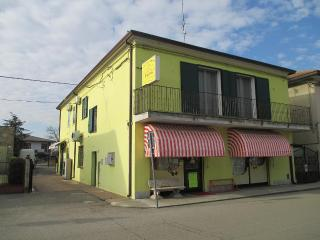 Nice 2 bedroom Vacation Rental in Copparo - Copparo vacation rentals