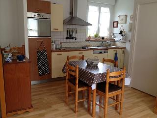 Nice Condo with Television and Washing Machine - Saint-Pair-sur-Mer vacation rentals