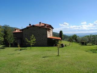 Cozy 2 bedroom Farmhouse Barn in Castelfranco di Sopra with Internet Access - Castelfranco di Sopra vacation rentals