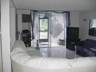 Gorgeous 2 bedroom Vacation Rental in Lauderhill - Lauderhill vacation rentals