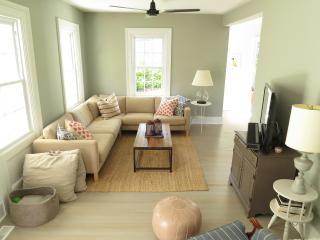 Adorable, Updated Farmhouse; Walk to Beach & Town! - Southold vacation rentals