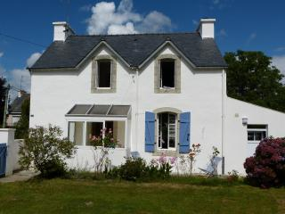 Cozy 2 bedroom Riec-sur-Belon House with Outdoor Dining Area - Riec-sur-Belon vacation rentals