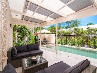 Rohini - Only a few minutes meander from Four Mile Beach - Port Douglas vacation rentals