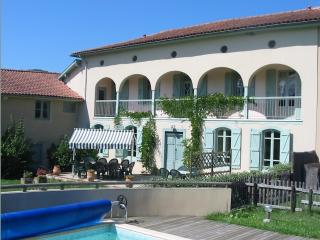 Nice Gite with Internet Access and Satellite Or Cable TV - Estadens vacation rentals