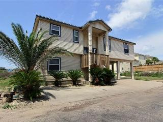 Spacious 5 bedroom home in beachfront La Playa! - Port Aransas vacation rentals