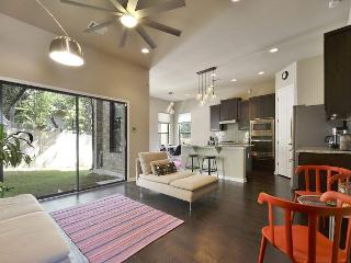 3BR/2.5BA Modern & Vibrant South Austin House, Sleeps 8 - Austin vacation rentals