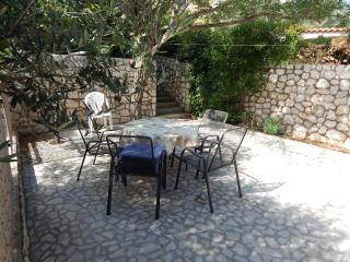Apartman Andreja - 6 person app - Pag vacation rentals