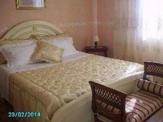 """B&B Il Salento """"Lu sule"""" - Monteroni di Lecce vacation rentals"""