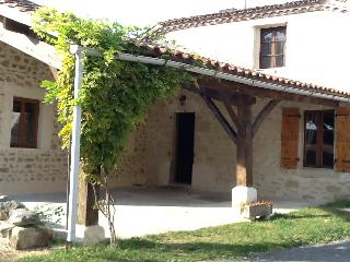 Wonderful House with Internet Access and Satellite Or Cable TV - Villeneuve-sur-Lot vacation rentals